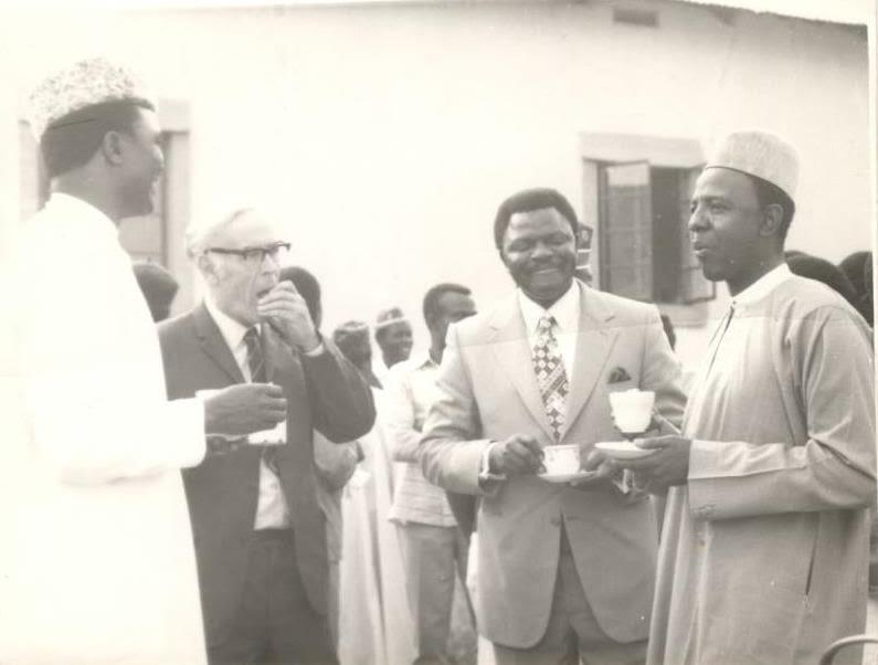 P.C J.D Gomwalk, O.D Wilmshurts, Gen. I.D Bisalla and Brig. Abba Kyari having a tea break during the Launching.